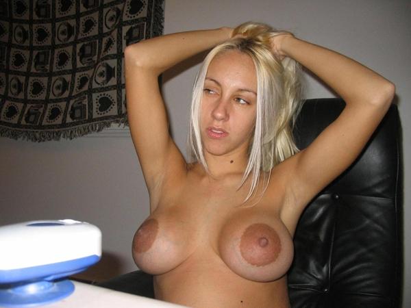 Фото голых девушек с большими сосками