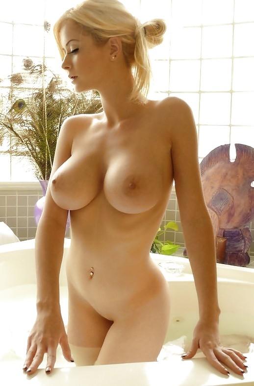 Фото голых девушек с упругим телом