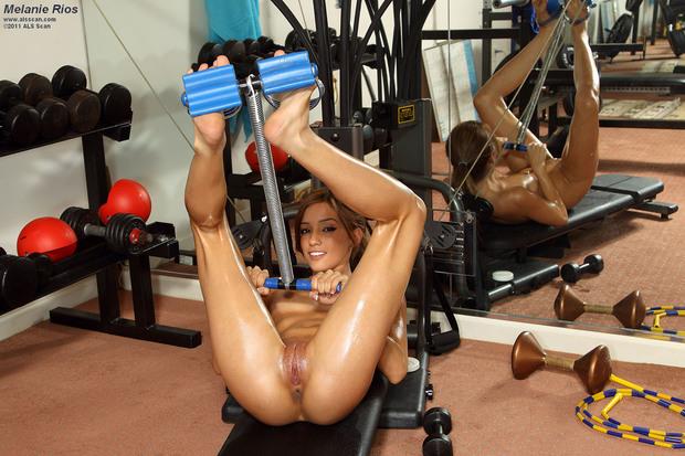 новое порно девушка занималась фитнесом
