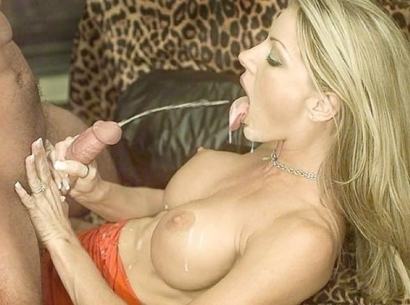 Sexist blonde asian cumshot