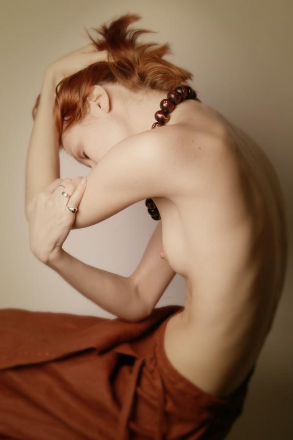 Side boob image