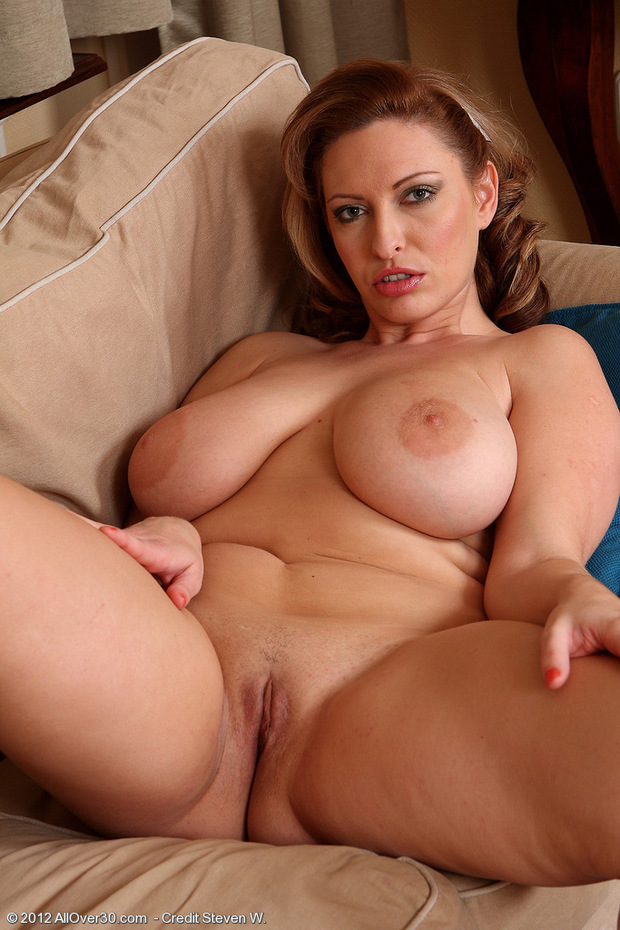 Beauty milf nailed