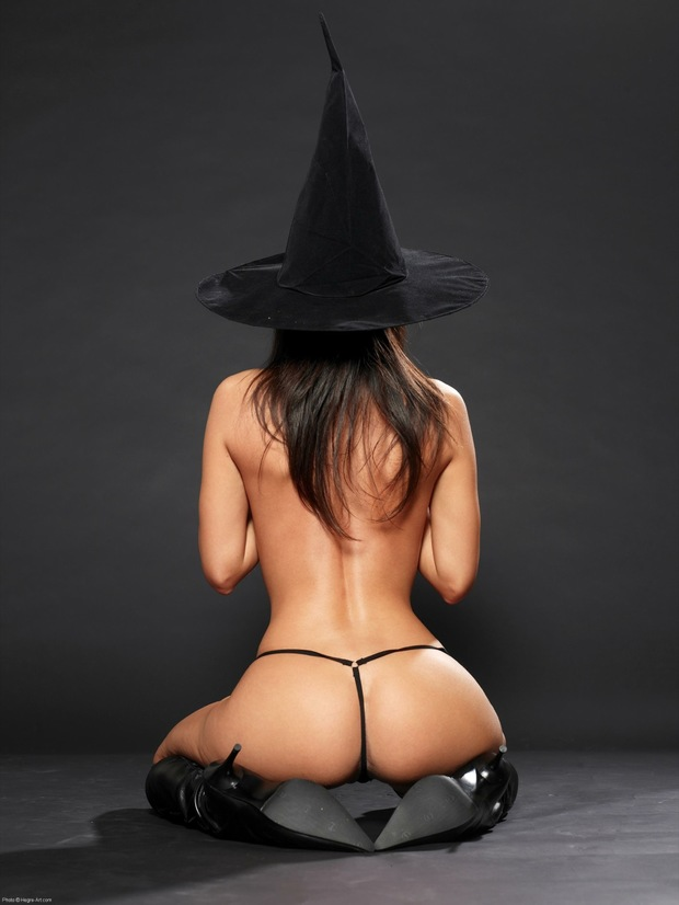 Эротика ведьмы фото
