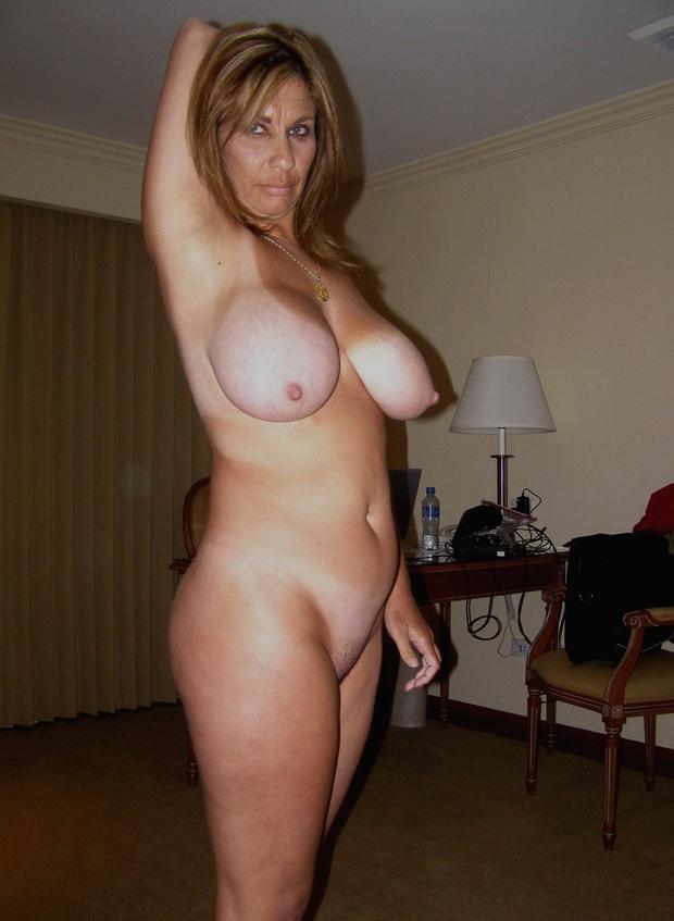 ...; Big Tits Brunette Mature MILF Pussy Sagger