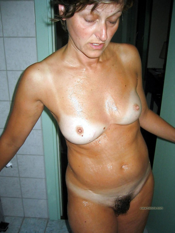 Beautiful mature naked wives