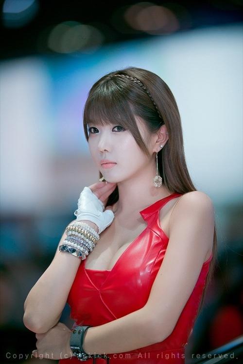 ...; Asian Non Nude